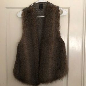 Ella Moss Fur/Sweater Vest